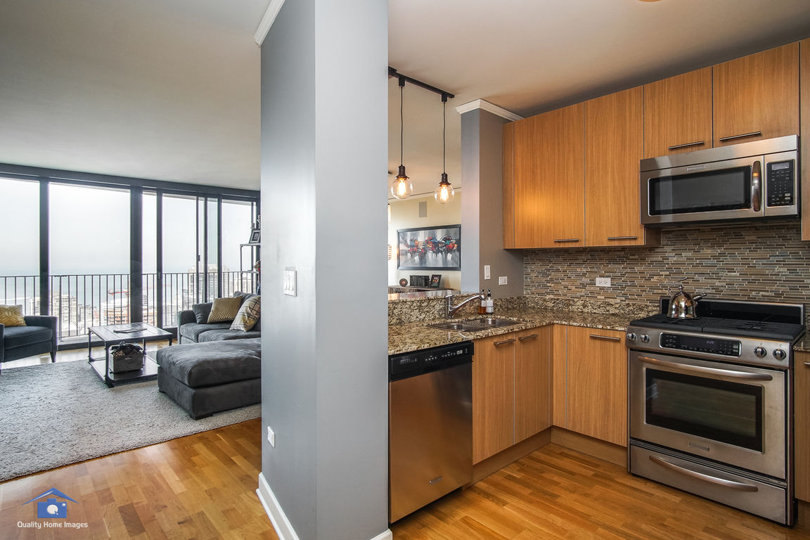 225 NORTH COLUMBUS DRIVE #6404 Chicago IL 60601 id-1086348 homes for sale