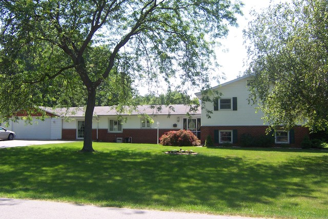 674 SOUTH FALL SOUTH STREET Paxton IL 60957 id-448352 homes for sale