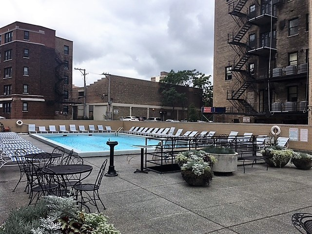 2400 NORTH LAKEVIEW AVENUE #2203 Chicago IL 60614 id-41752 homes for sale